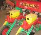开封县金牛农机修造厂 供应精密单粒玉米播种机